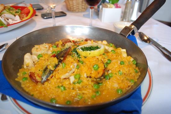 Fandango Restaurant : paella