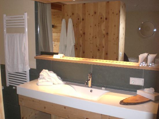 Bagno Aperto In Camera : Camera con bagno aperto picture of arosea life balance hotel