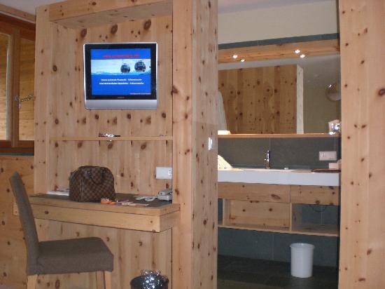 Bagno Aperto In Camera : Camera con bagno aperto foto di arosea life balance hotel