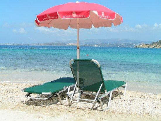 White Rocks Hotel & Bungalows: Beach