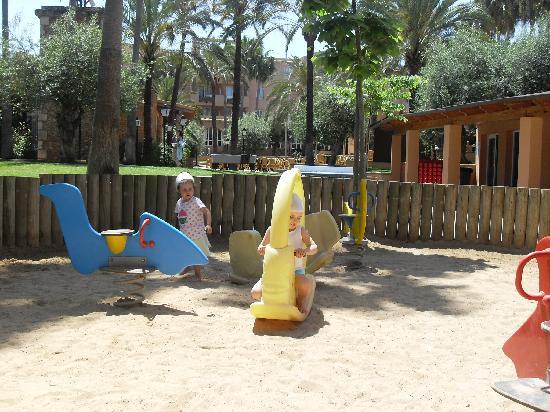 Protur Bonaire Aparthotel: sand park