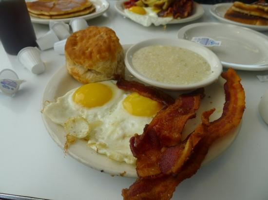 Highway Diner: wow!! what a way to start the day