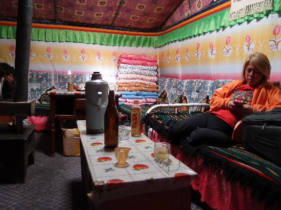 Mt. Everest Base Camp : Chose which bed's going to be yours