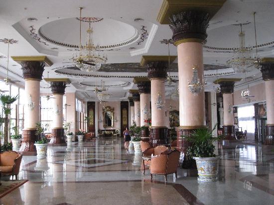 Hotel Riu Palace Las Americas: The lobby of the hotel