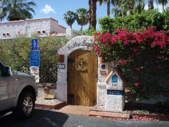 Casitas Laquita Inn: Entrance