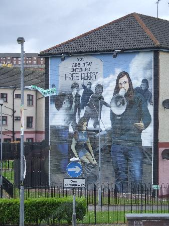 ‪‪Derry‬, UK: Wall Mural‬