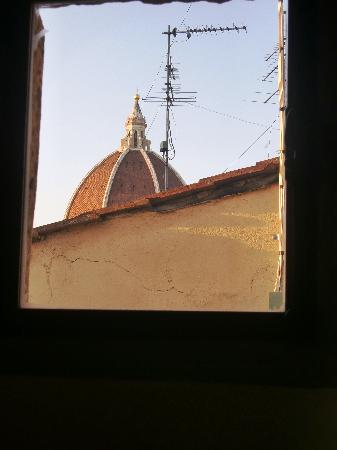 Residenza d'Epoca in Piazza della Signoria: View out one window
