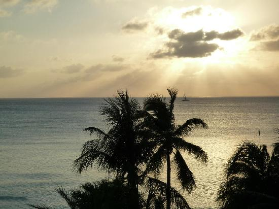 Caribbean Club: Great sunset from our balcony