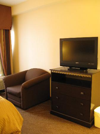 Comfort Suites - Forsyth : King Suite