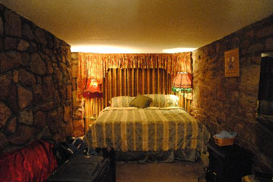 Red Crags Estates: the carriage house room