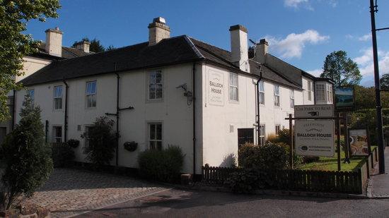 Innkeeper's Lodge Loch Lomond : front view