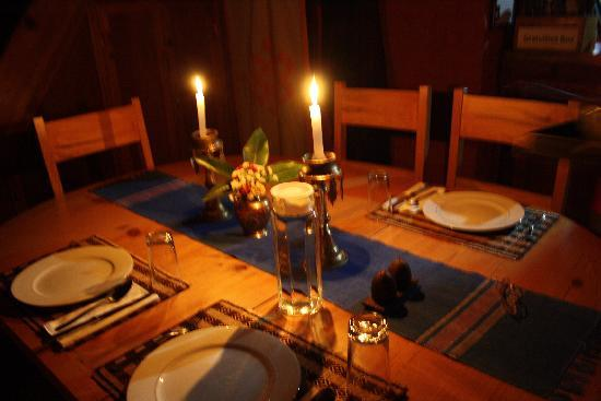 Shivapuri Heights Cottages: Dinner by candlelight.
