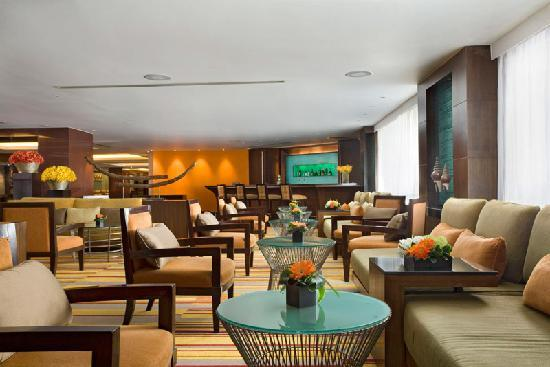 Amari Boulevard Bangkok: The Lobby Bar is perfect for a relaxing afternoon drink.