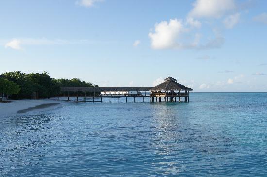 Reethi Beach Resort: Over the water restaurant