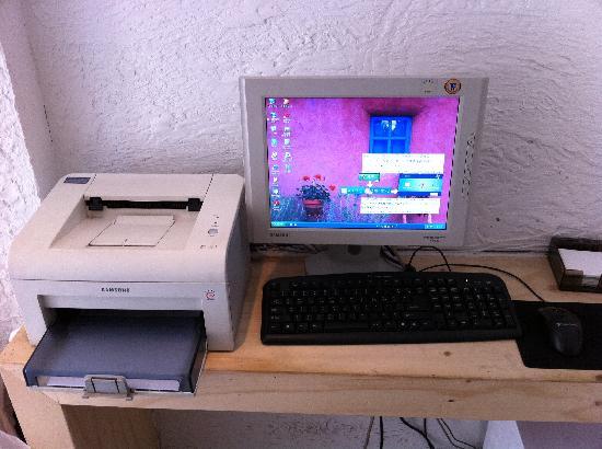 2nd Casa: フロント横のパソコン