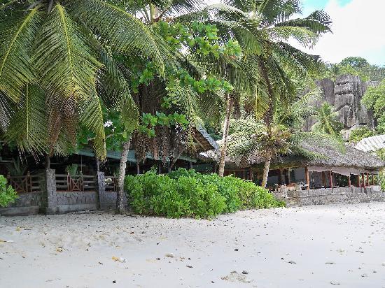 Chez Batista Villas: Das Restaurant direkt am Strand