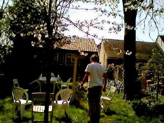Huisseau-sur-Cosson, Fransa: Huisseau_il giardino
