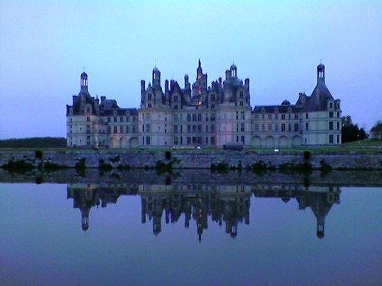 Huisseau-sur-Cosson, ฝรั่งเศส: vicinanze_Chambord all'imbrunire