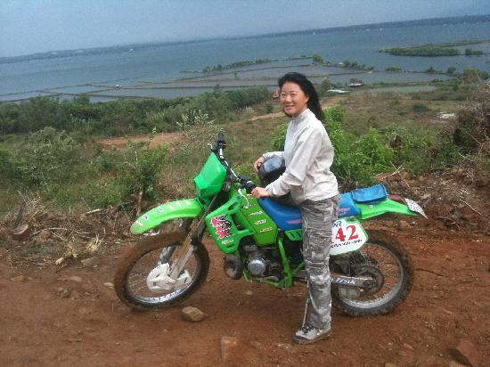 Shack Dirt Bike Tours: Aline riding the KDX 200