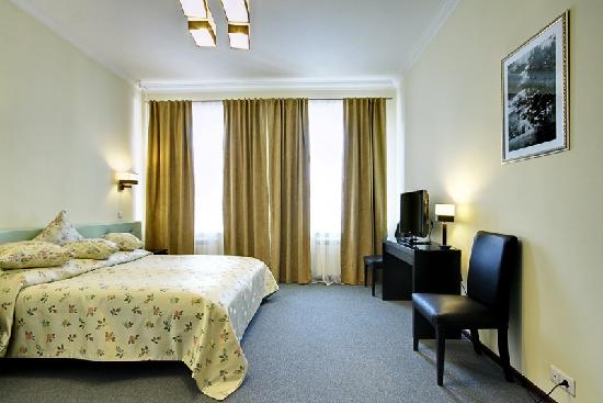 Roses Hotel: Family Business Suite