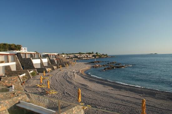 Lagonisi, Greece: это вид из номера на пляж