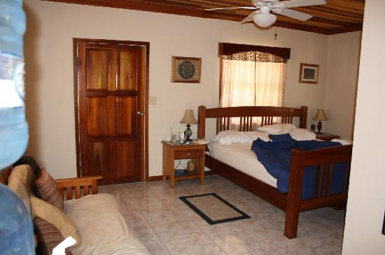 Coco Plum Island Resort : Our room