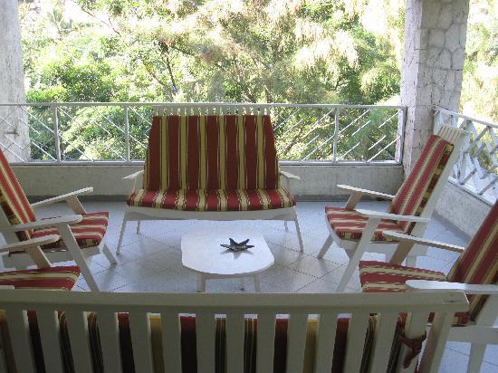 Aux Hibiscus, Bed & Breakfast: Terrace