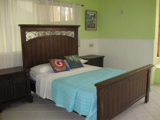 Aux Hibiscus, Bed & Breakfast