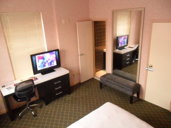 Hotel Alexander: Habitación con baño privado2