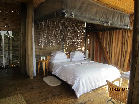 Singita Lebombo Lodge: Nice comfortable bed