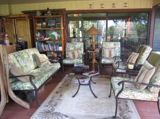 Honu Kai B&B: Lanai Sitting Area