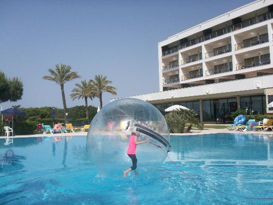 Holiday Village Algarve Balaia: Walking on water!!!