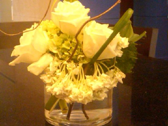 Dallas/Fort Worth Marriott Solana : Not Ritz Carlton Flowers...