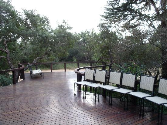 Monwana Game Lodge: Deck Views Over the Riverbed