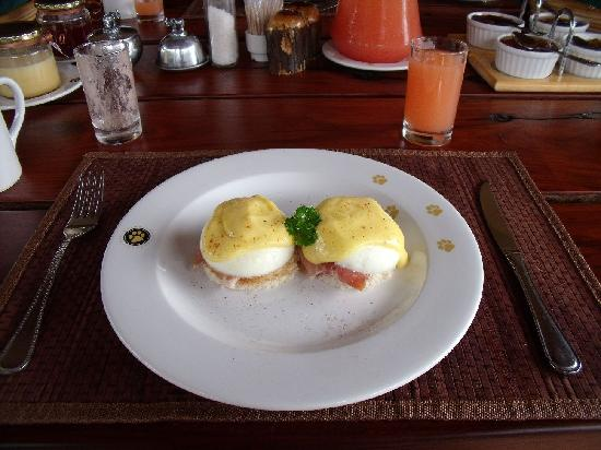 Monwana Game Lodge: You Have Gotta Try the Eggs Benedict
