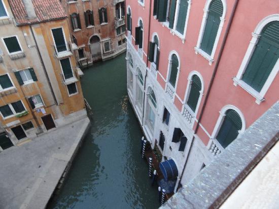 Palace Bonvecchiati : vista de uno de los canales desde la habitacion