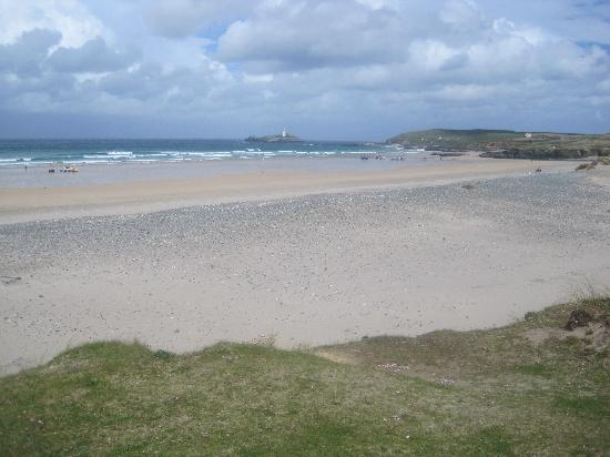 Hayle, UK: Local beach (8 min drive)