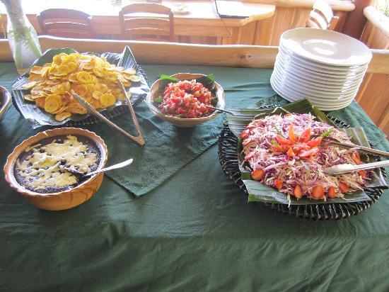 The Gecko Restaurant: local decorations