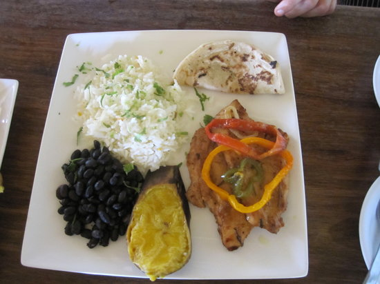 The Gecko Restaurant : traditional plates of our country with our own touch!