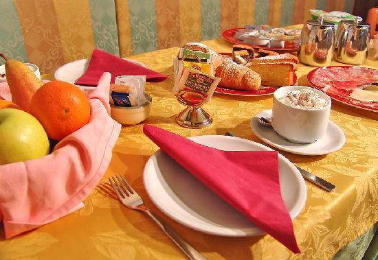 Jolly B&B - Affittacamere: La colazione