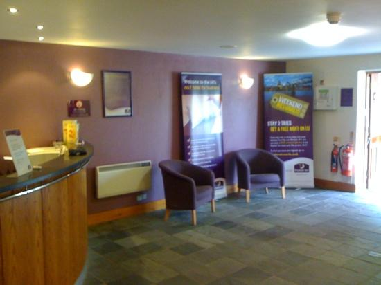 Premier Inn Edinburgh A1 (Newcraighall) Hotel: reception area