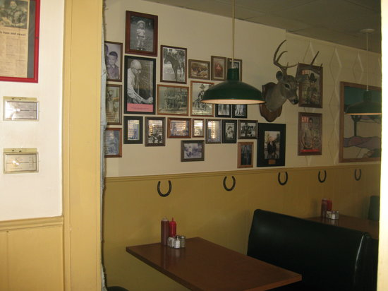 Photo of American Restaurant Peggy Sue BBQ at 6600 Snider Plz, Dallas, TX 75205, United States
