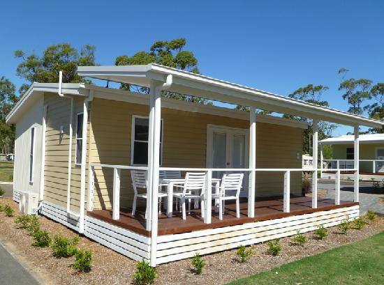 Ocean Beach Resort and Holiday Park: Plantation Cottage