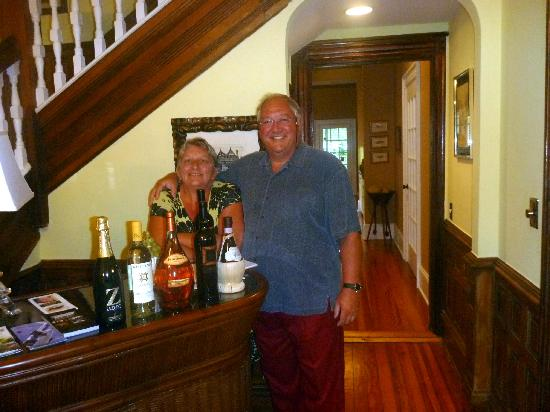 An Inn on York Street: Mark and Sandie - Service with a smile
