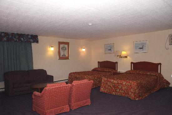 Fairway Inn & Suites