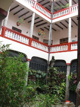 Hostal Quito Cultural: The courtyard.