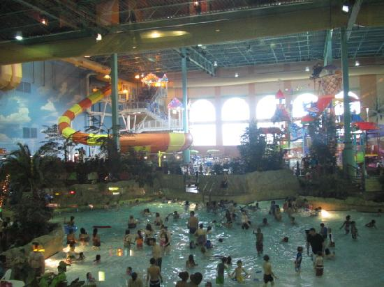 KeyLime Cove Indoor Waterpark Resort: All slides go outside then come back in for landing in pool so you cant see them