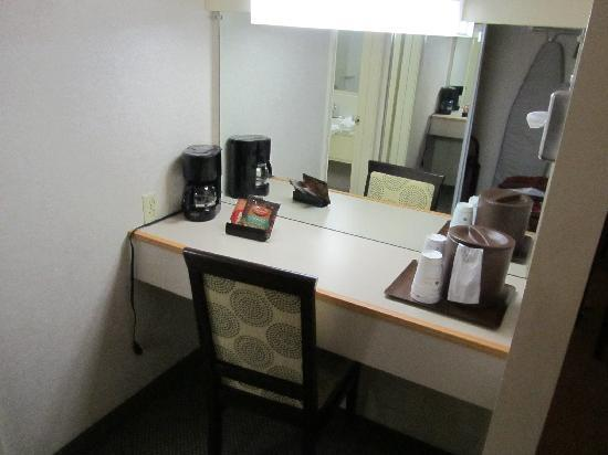 BEST WESTERN PLUS Inn of Ventura: vanity