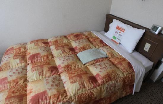 Comfort Hotel Nagano: ベッド(シングル)