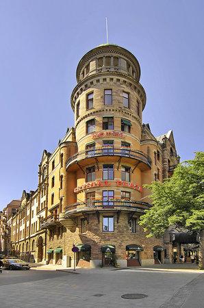 크리스탈 프라자 호텔